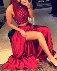 2017 burgundy two pieces prom dresses high neck crystal beading