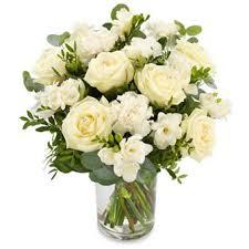fleurs blanches mariage bouquet rond de fleurs blanches