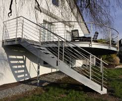 balkon mit treppe balkone freudenstadt balkone stahlbalkone edelstahlbalkone im