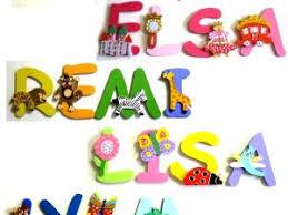 lettres décoratives chambre bébé lettres bois prénom par billes de clowns