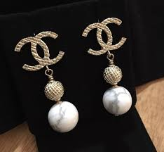 cc earrings chanel 2016 chanel fall cc earrings marbled pearl gold new