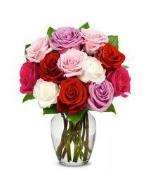 one dozen roses flowers one dozen sweetheart roses free vase