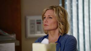 pictures of amy carlson hairstyle amy carlson speaks out about blue bloods departure tv insider