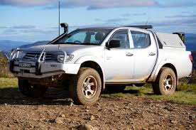 mitsubishi triton offroad the 4 4 guys mitsubishi triton 2011 review