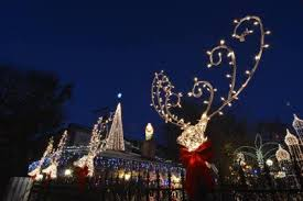 photos christmas spirit ablaze on logan boulevard logansquarist