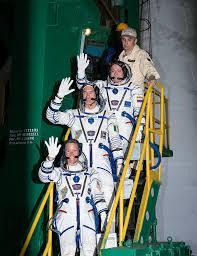watch live soyuz fast track launch to the space station