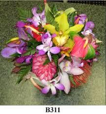 wedding flowers kauai kauai wedding attendant bouquets and haku leis from mr flowers