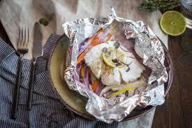 cuisine papillote papillote de cabillaud aux légumes d hiver et lait de coco cuisine