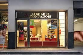 mondadori librerie castellammare chiude la storica libreria mondadori di via