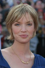 haircuts for fine hair with layers photo layered bob haircuts for fine hair short layered bob