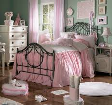 preety pink color accent in vintage bedroom decor with big bed