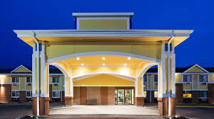 High Tech Home Fargo Hotel Services U0026 Amenities Fargo Inn U0026 Suites Fargo Nd Hotel
