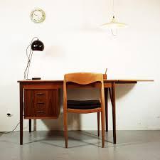 Schreibtisch Holz Mit Schubladen Ausziehbarer Skandinavischer Teak Schreibtisch Mit 3 Schubladen