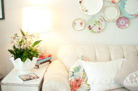 domestic fashionista decorating with house plants
