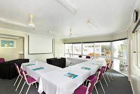 seagulls resort gallery holiday accommodation townsville