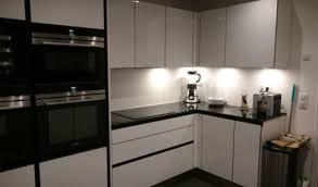photo de cuisine amenagee cuisine amenagee avec ilot central 12 cuisine contemporaine avec