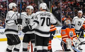 La Kings Flag Kings Exploit Oilers U0027 Penalty To Turn Close Game Into A Rout