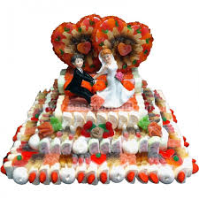 pi ce mont e mariage une pièce montée en bonbon avec 2 coeurs