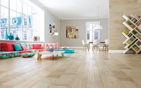 light coloured wood effect tiles 23x120