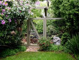 Cheap Backyard Fence Ideas by Front Yard Garden Fence With Garden With Wooden Fence Design