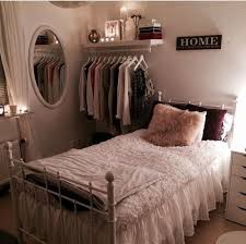 How To Make A Dark Room Look Brighter Best 25 Small Rooms Ideas On Pinterest Small Room Decor Small