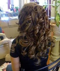 curly hair with lowlights thick curly brunette hair with caramel blonde low lights by janice