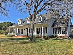 Magnolia Real Estate Waco Tx by 25 Best Magnolia Realty Ideas On Pinterest Foyer Table Decor