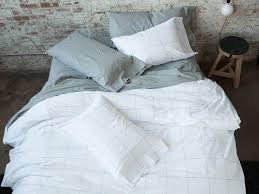 100 Bed Linen Sheets Have You Ever Slept In Linen Sheets A Best Bedding For Your Buck Brooklinen Vs Parachute More