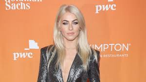 julianne hough shattered hair dwts alum julianne hough looks like a different person with newly