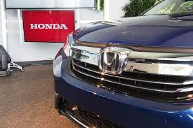 lexus ct200h vs honda accord 2017 honda accord hybrid rated at 49 mpg city autoguide com news