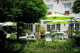 terrace restaurant saint geniez d u0027olt rodez aveyron 12 le