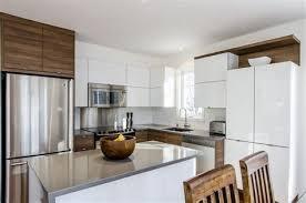cuisine contemporaine en bois cuisine ouverte avec comptoir 11 cuisine contemporaine bois et