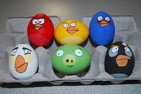 Easter Eggs Decorated Like Minions by Decorate Easter Eggs With Cartoon Characters Easter Activities