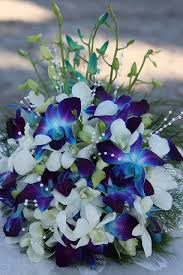 white and blue floral arrangements best 25 blue flower centerpieces ideas on blue
