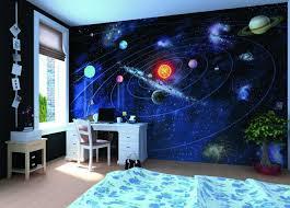 chambre theme espace fresque murale dans la chambre d enfant 35 dessins joviaux