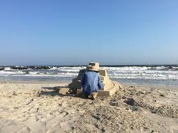 meet the artist making fantastical modernist sandcastles