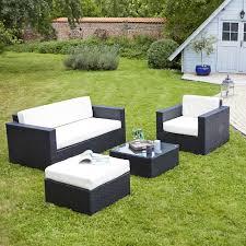 canap de jardin en r sine salon de jardin resine tressee coussins noirs scala hesperide