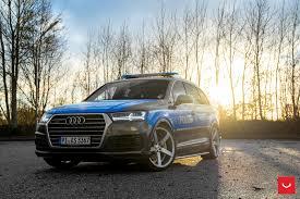 slammed audi wagon slammed audi q7 police car rides on vossen cv3r rims autoevolution
