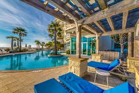 Vacation Rentals In Panama City Fl The Beautiful Aqua Condominiums In Panama City Beach Blue Swell