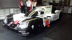 porsche 919 top view porsche u0027s 2017 lmp1 entry 919 hybrid breaks cover in testing the