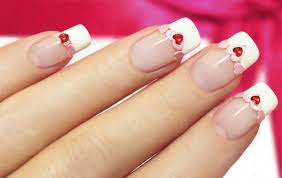 what is the difference between american and french manicure