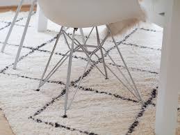 Esszimmertisch Teppich Wohnungs Update Unser Beni Ourain Teppich Direkt Aus Marrakesch