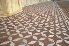 the mathematical tourist tilings at the taj mahal