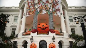 decorate house for halloween here u0027s how 3 celebrities decorate their homes for halloween