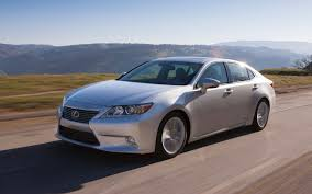 new lexus commercial model 2013 lexus es 350 and es 300h first look motor trend