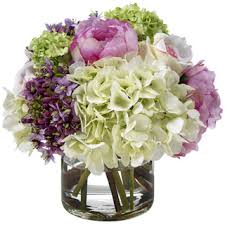 Faux Flower Arrangements Read 12 Tips For Fooling People With Fake Flowers Diy Flowers