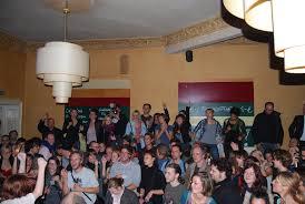 Das Wohnzimmer Wiesbaden Facebook Party Wohin Man Schaut Wiesbaden Tanzt In Den Mai Sensor