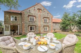 Norfolk Country Cottages Holt by 32 Self Catering Holiday Cottages In Norfolk