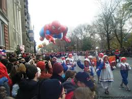 new york s thanksgiving day parade for tourists vs world