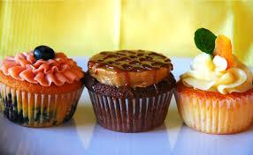 some cool wars cake wars cupcake war pseudo cupcake wars cakepops cupcake